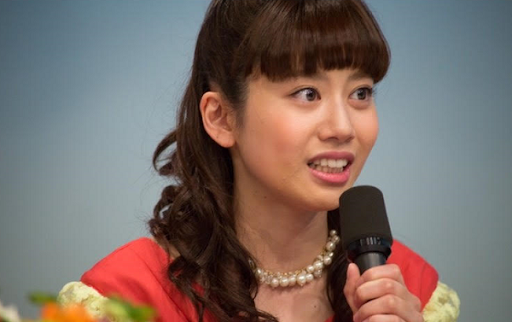 小野あつこおねえさんの年齢は何歳?大学・結婚(夫)・彼氏・身長は?卒業ジンクスとは!
